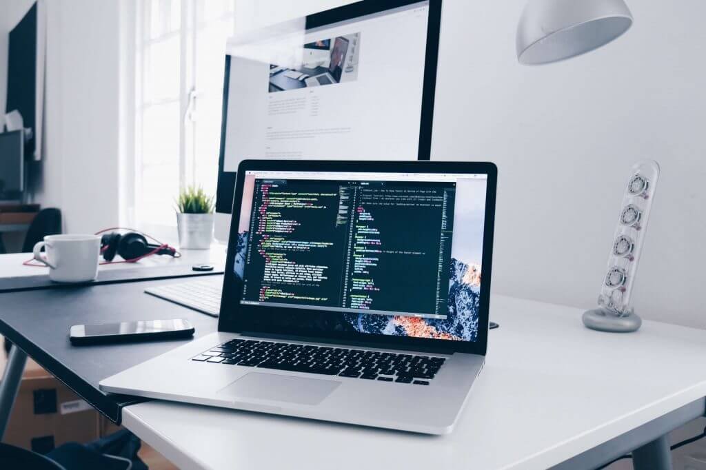 Screen scraping vs API has more advantages when collecting vast amounts of data